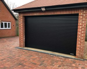 Plain black Garage Door Photo